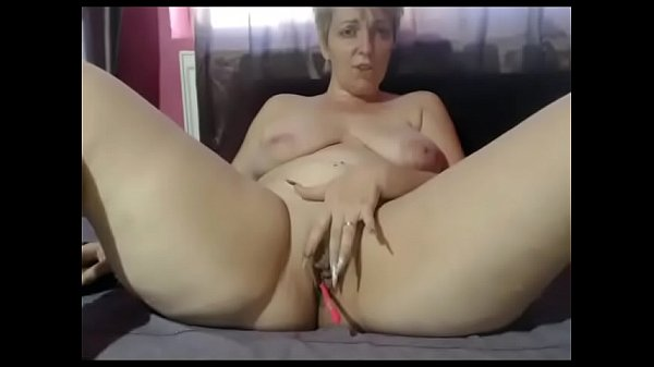 Model, Squirting milf