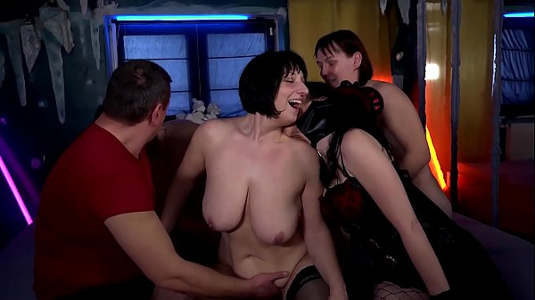 Swinger, Swingers, Mature blowjob