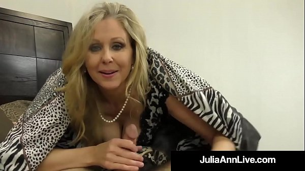 Anne, Julia ann, Julia, Foot fetish, Blonde mature