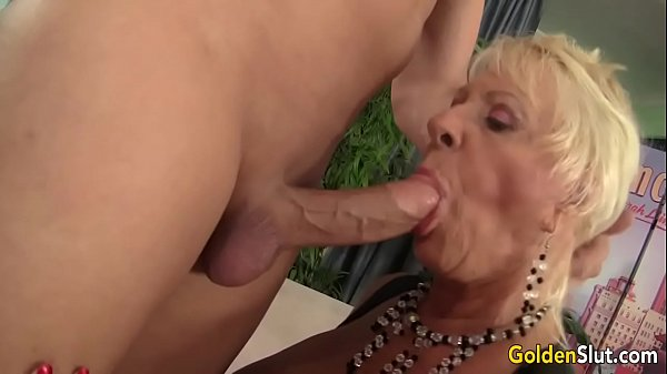 Mandi sex, Granny blowjobs, K-pop, Granny fuck