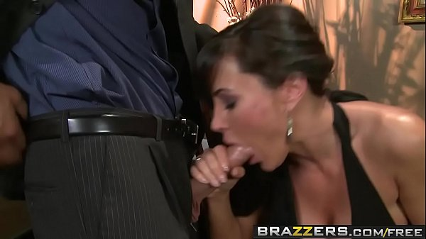 Moms, Big boobs, Lisa ann, Brazzers school, Brazzer school, Sex school