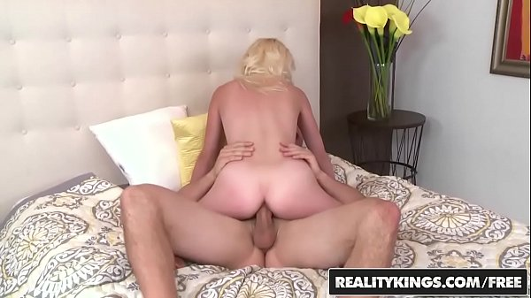 Old and young, Mom milf, Audition, Time, Kiss mom