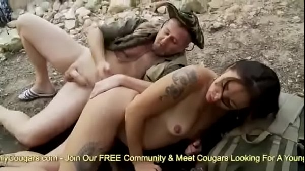Pussy, Outdoor