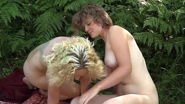 Nipple play, Lesbian hairy, Hairy solo, Climax, Yanks, Smile