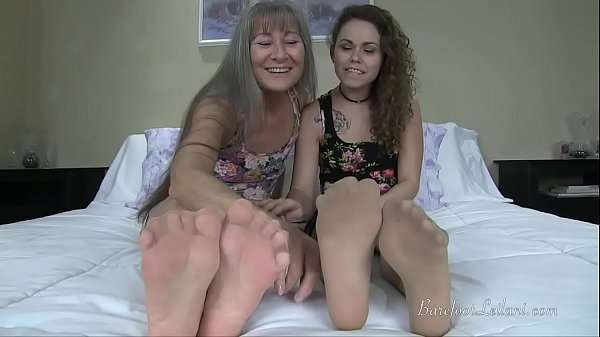 Nylon, Nylon pantyhose, Nylon feet