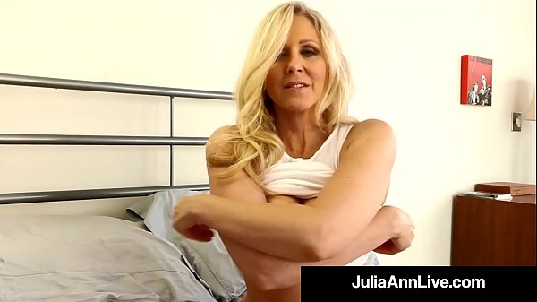 Julia ann, Usa, Julia, Mature dildo