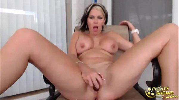 Tits, Real mom
