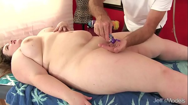 Massage hot, Fat, Hot massage, Bbw hot, Plumper, Plumpers ass