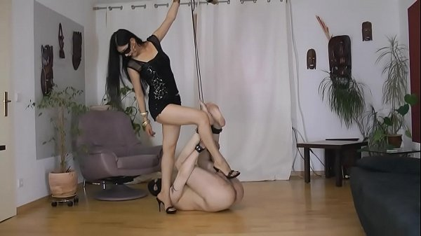 Torture, Shoes, Trampling, Bound, Trample